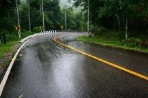 30 نکته ایمنی رانندگی در باران و جاده لغزنده